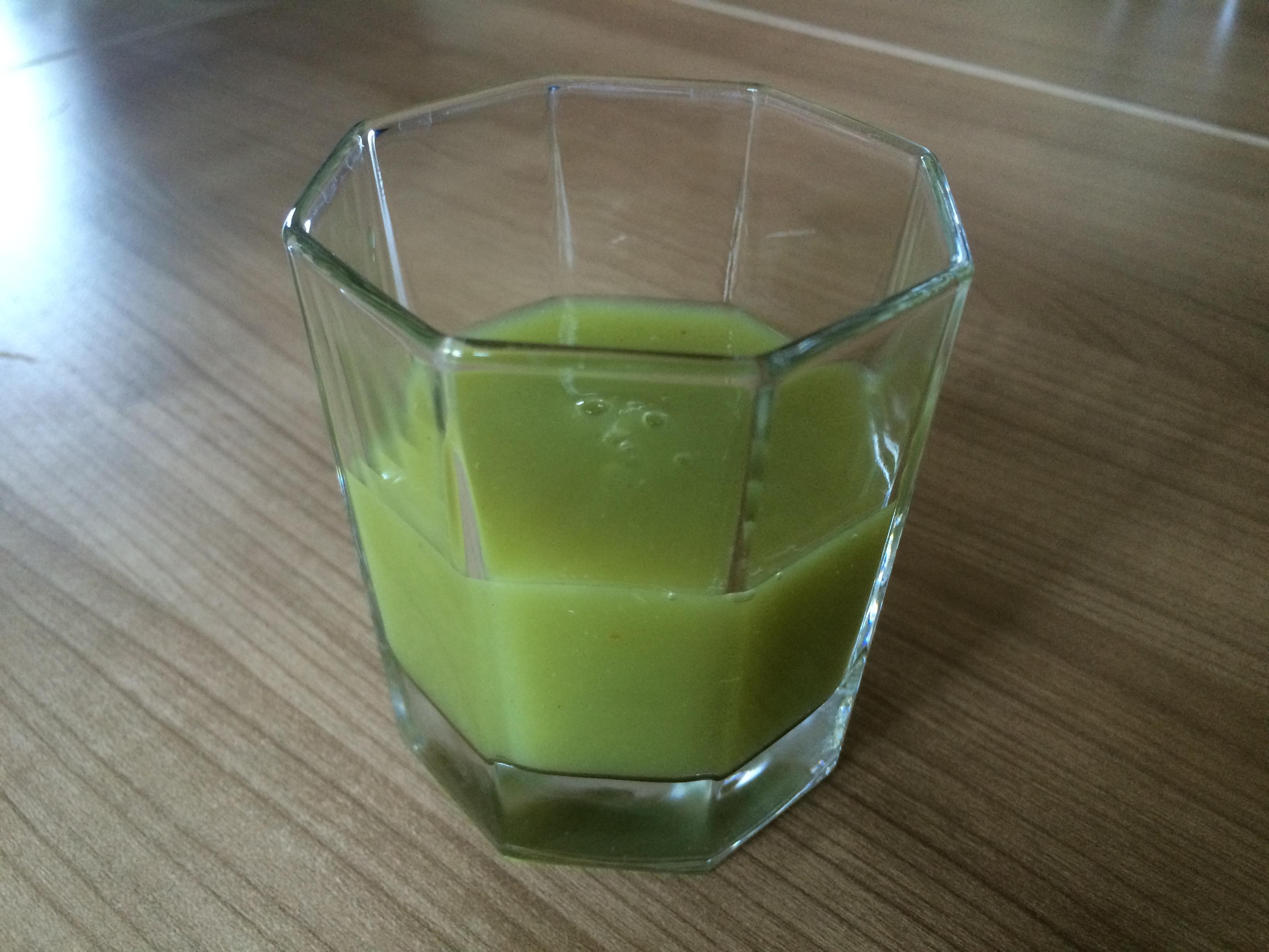 Innocent - Kiwi, Apfel und Limette im Glas Probenqueen
