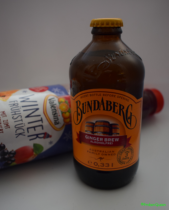 Brandnooz Box Dezember 2016 Ginger Brew Flasche und Valensina Flasche
