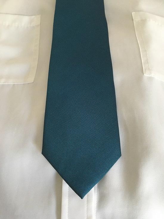Young and Gentle Krawatte auf Hemd Probenqueen