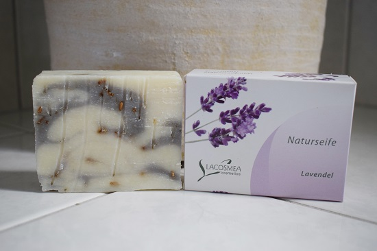 Lacosmea Naturseifen Lavendel Probequeen